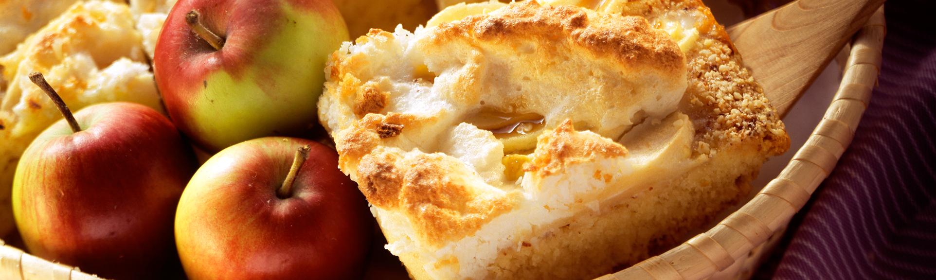 Headerabbildung für das Rezept Apfelkuchen mit Kokosflocken und Baiserhaube